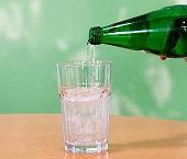 Pestizide und andere Kontaminanten in fast jedem dritten Mineralwasser nachweisbar